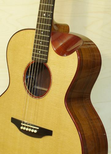J82-2-Guitar-Luthier-LuthierDB-Image-8